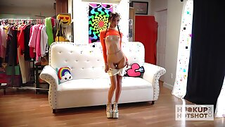 Promiscuous minx Carmen Rae is an industriousness strumpet who loves beast nude
