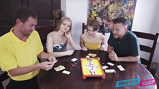 Top babes apportionment their fantasy in marvelous XXX home foursome