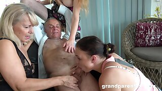 Old man takes his dripping and fucks the slutty mature in imbecile action