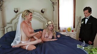 Threesome is a good way for the bride to relax before the conjugal