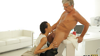 OLD4K. Dazzling darkhaired pamper with ease seduces old boss